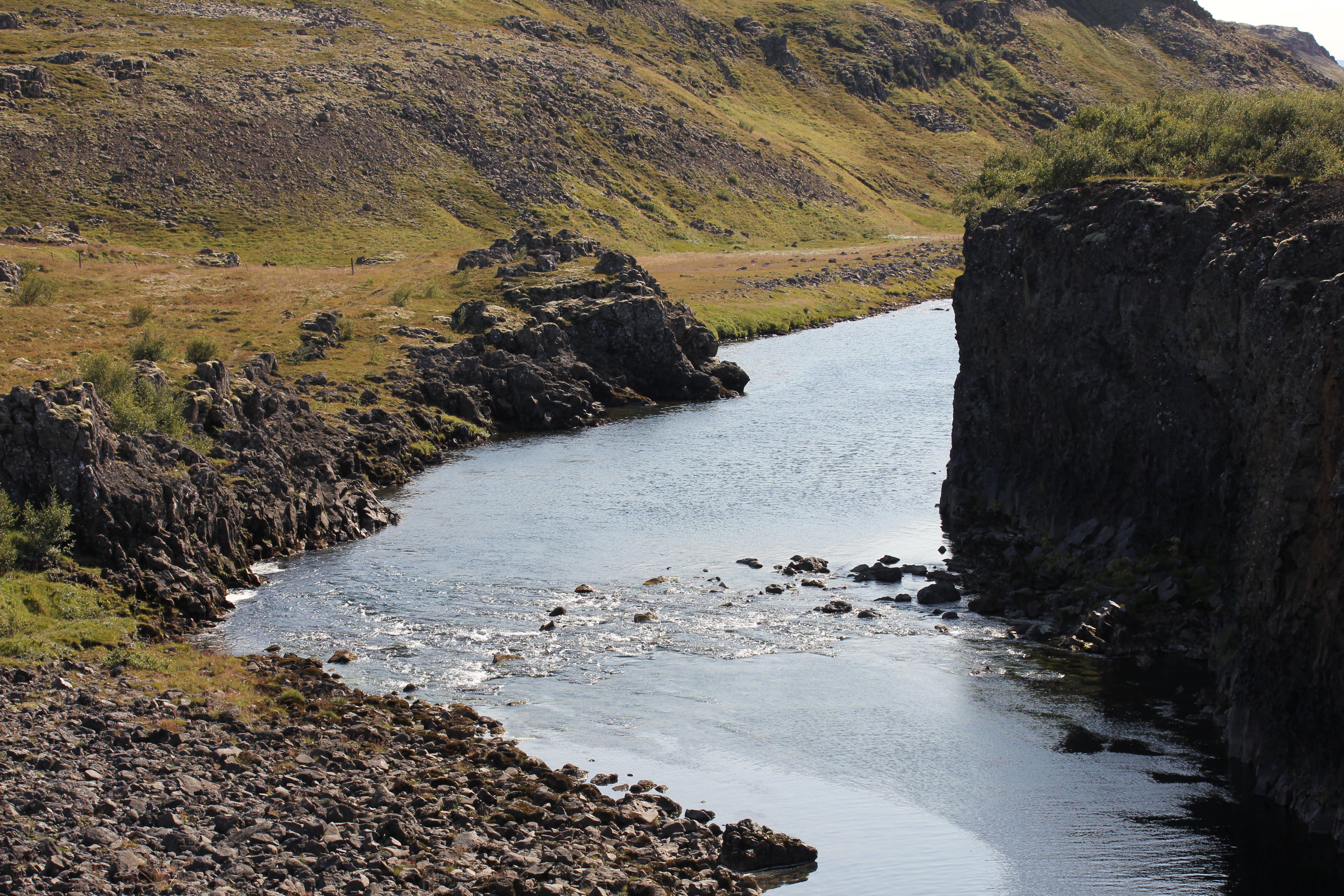 Berghylsbrot, Norðurá, Réttarhylur